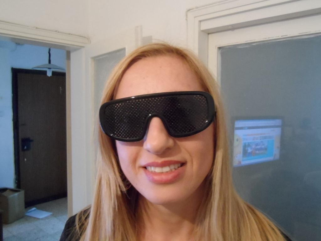 hip pinhole glasses