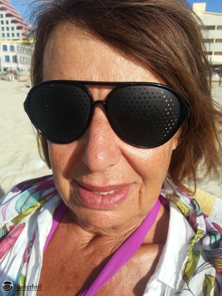pinhole glasses piloot